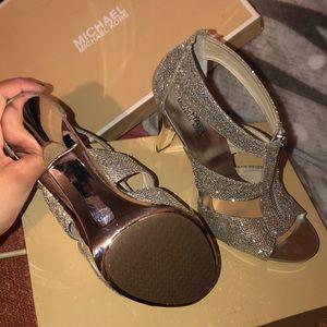 Michael Kors : Silver Glitter heels